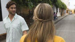 vrouwen versieren op straat